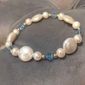 Lovely pearl & blue bead bracelet